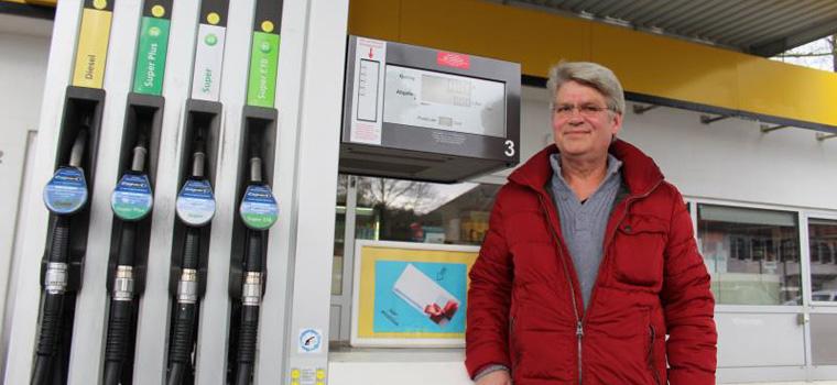 Michael Meckert an seiner Tankstelle in Fallingbostel